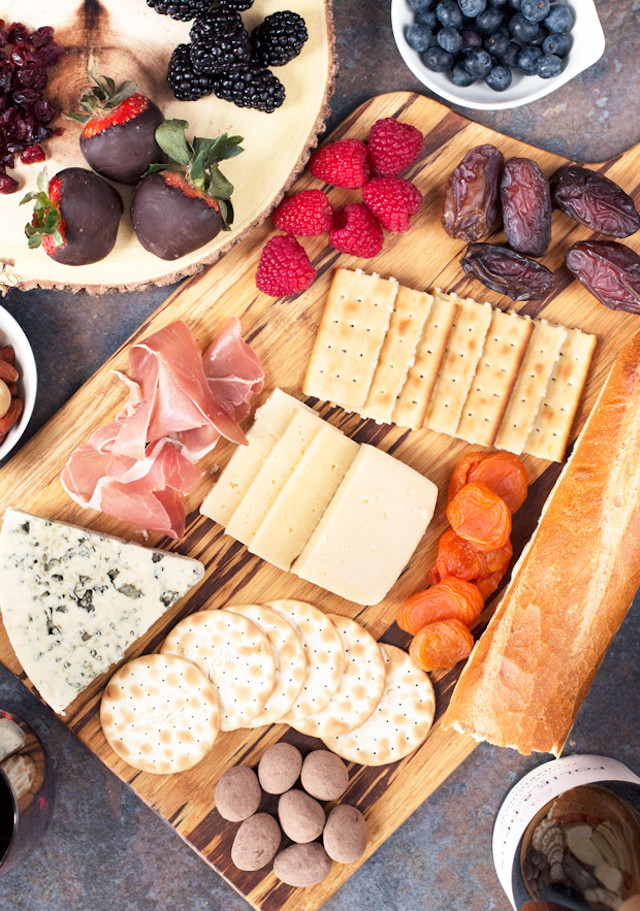 Castello-Folie-a-Deux-Valentines-Day-Cheese-Board-Pic-3-620x883-78d067e566b3089d056a4d483c9772492ccc3590