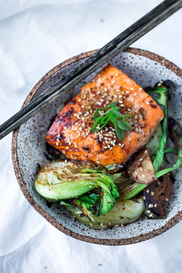 roasted-sesame-salmon-bok-choy-303-635x952-5897093889a5af225a7808f66b5e8497aec94c9b