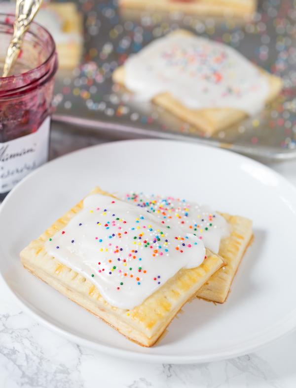 Homemade-Cherry-Pop-Tarts-4-a992b3eba2218dd4939ce7a1a20418d139b224cd