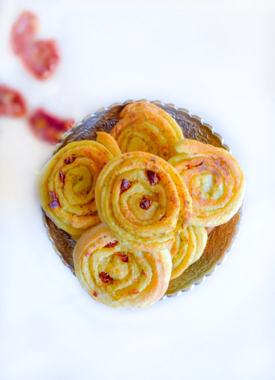 sun-dried-tomato-and-spinach-pinwheels-18177f1ada3b475004759a625dc74ba30750ff71