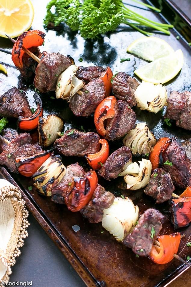 grilled-lamb-kebabs-recipe-4-1-635x953-27bb1c599d716b6e0adcd1022baf1ba6ed9051ea