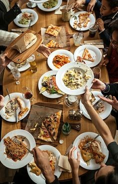 family-and-food-f95204d23e7f7d5a134dad857d5a6734debe35f4