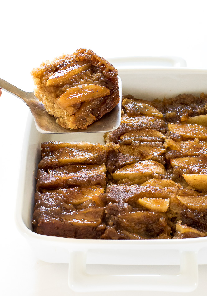 Caramel-Apple-Upside-Down-Cake-0e4d5a4e4b626d5fc4b2b3899cd146579515deee