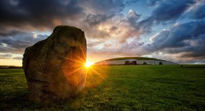 Newgrange+Ireland-d8d82a8fd1c93018d0e69746c575392ad3b1f43a